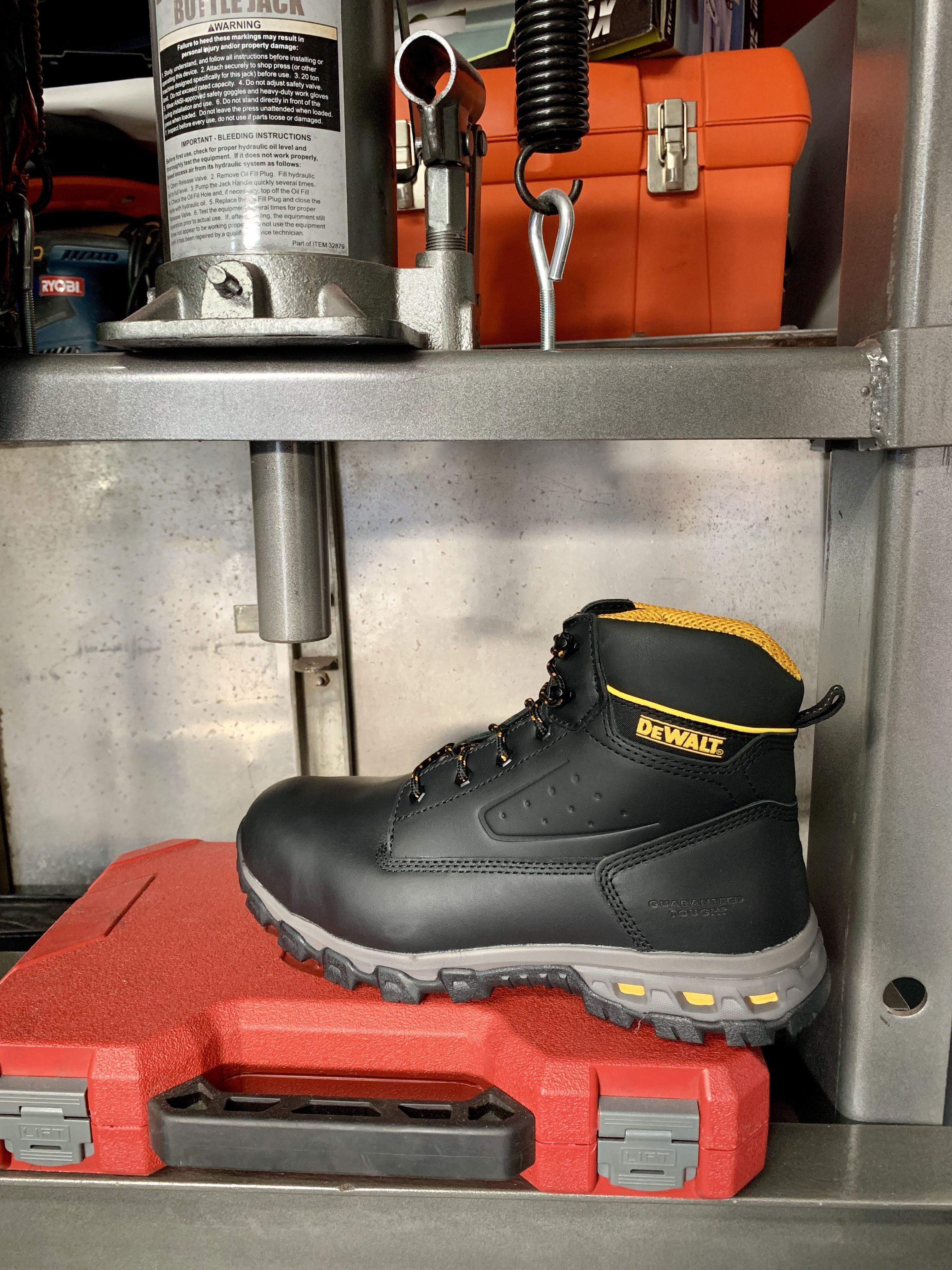 5bd3e9bdf49 Halogen - Aluminum Toe - Men's / Black in 2019 | New Year New Look ...