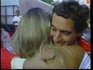 6ª Vitória de Ayrton Senna, recorde mantido até hoje , 2013. Adriane Galisteu e Ayrton Senna, GP Mônaco -1993 - Video www.youtube.com/...