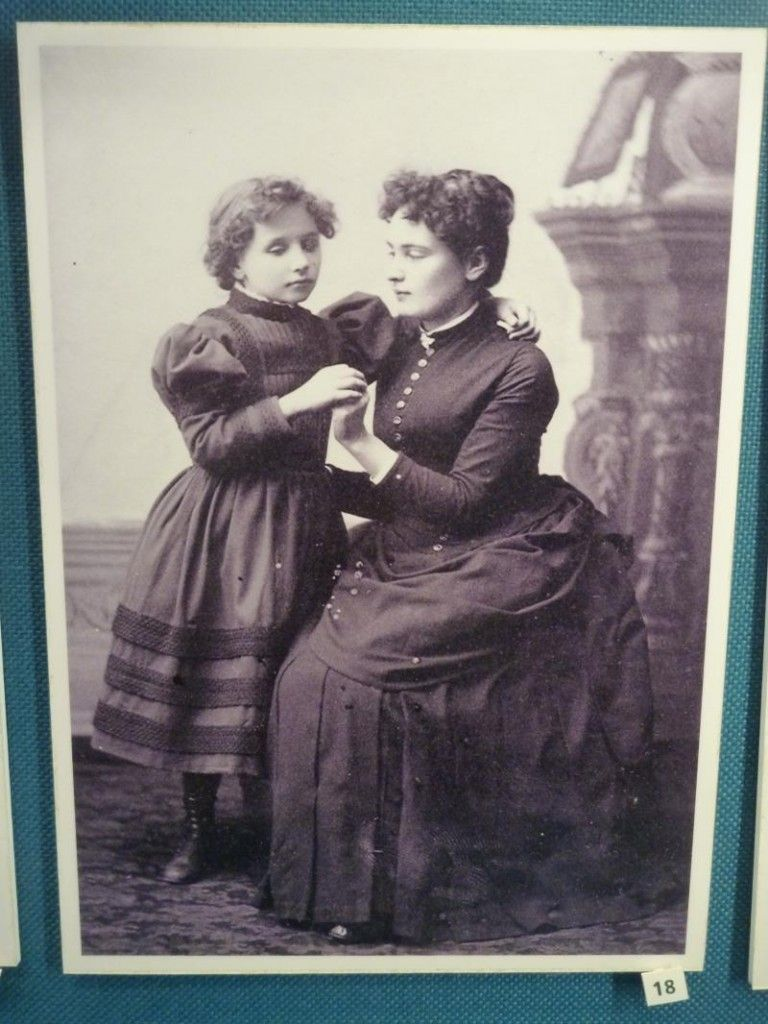 Photograph Of Young Helen Keller And Teacher Anne Sullivan With