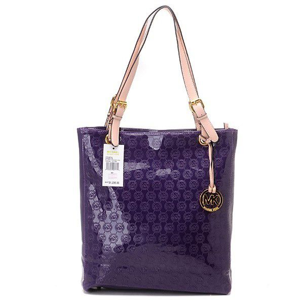 Want it. It can save 50% now on the site.Michael Kors Monogram ... 9eafc1c4bc