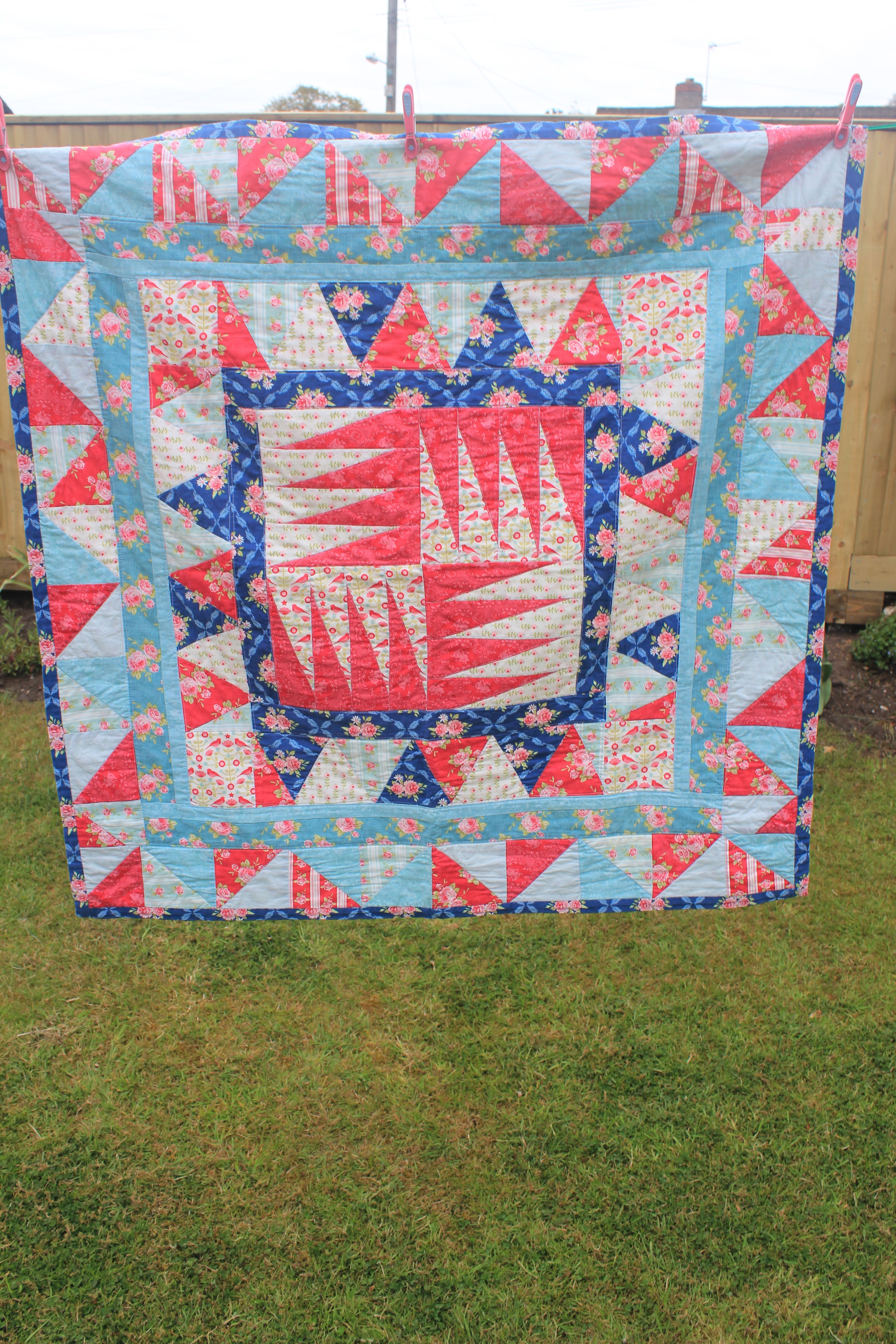 My very first quilt.....the Millie Moon Quilt. See http ... : uk quilting blogs - Adamdwight.com