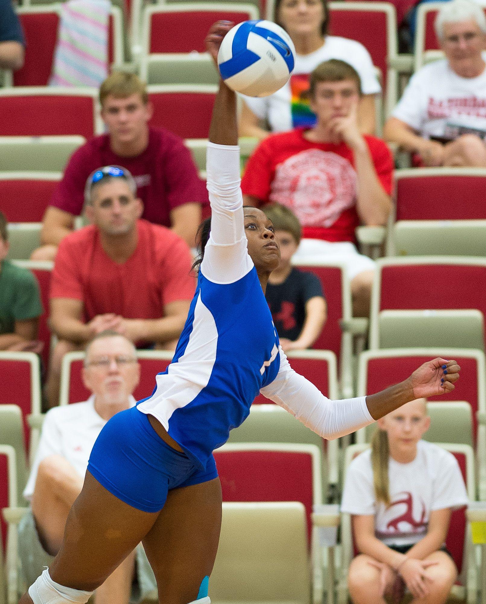 Tyler Henderson Tulsa 8 27 Womens Soccer Fall Sports Mens Soccer