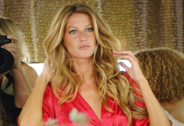Pictures: celebrities who do their own makeup gisele bundchen.