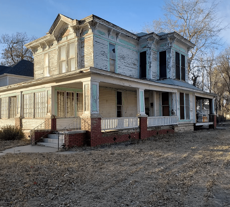Old Houses, Abandoned Mansion For