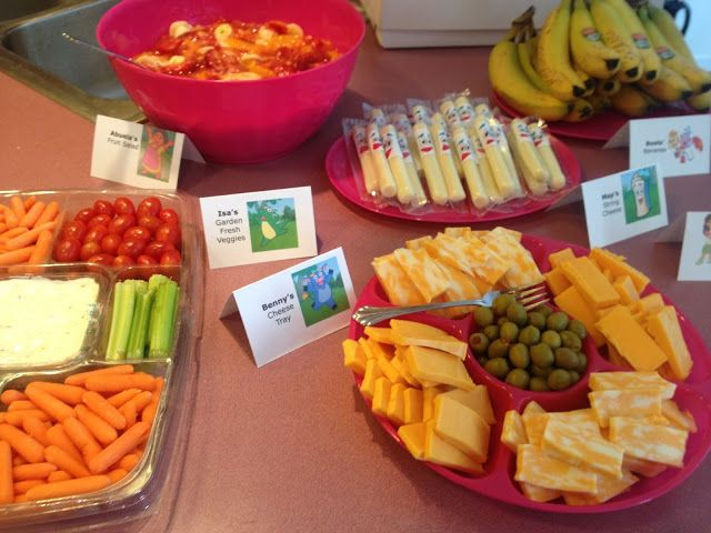 Here Are Some Super Fun Foods I Made For Ellisons Dora The Explorer Themed Birthday Party Got Idea Food Cards From Lots O