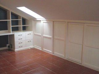 Bajo cubiertas ideas para el atico pinterest bajo - Muebles para buhardillas ...