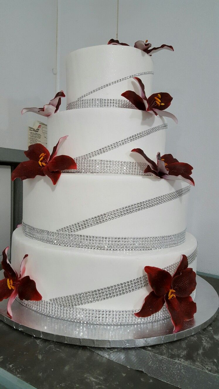 Maroon and cream wedding decor  Red Lily and Glam wedding cake  Work  Pinterest  Red lily and Cake