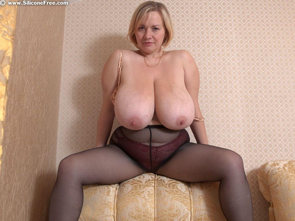 русская мамочка с огромными дойками