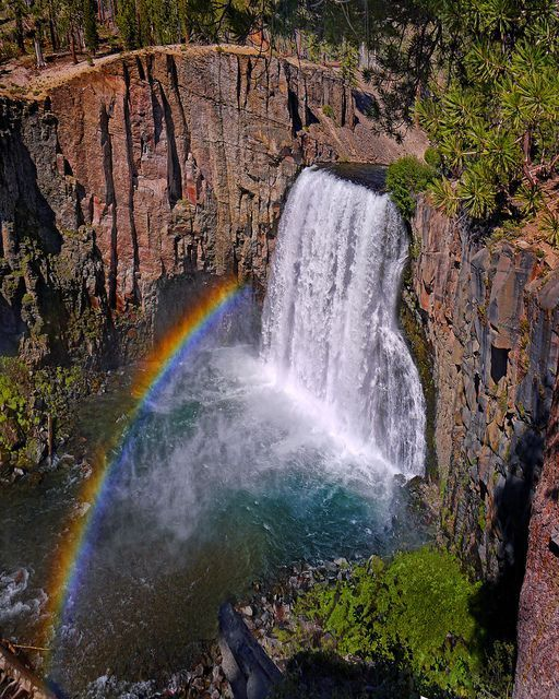 Rainbow Falls at Mammoth California #rainbowfalls Rainbow Falls in Devils Postpile Nat'l Monument.  Inyo National Forest.  This is so cool to see in person, and a great, easy hike at ~8,500ft elevation! Absolutely beautiful view of the rainbow in the afternoon! #rainbowfalls Rainbow Falls at Mammoth California #rainbowfalls Rainbow Falls in Devils Postpile Nat'l Monument.  Inyo National Forest.  This is so cool to see in person, and a great, easy hike at ~8,500ft elevation! Absolutely beautiful #rainbowfalls