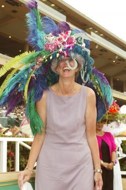 Opening Day Del Mar 2012-Some contestants in the hats