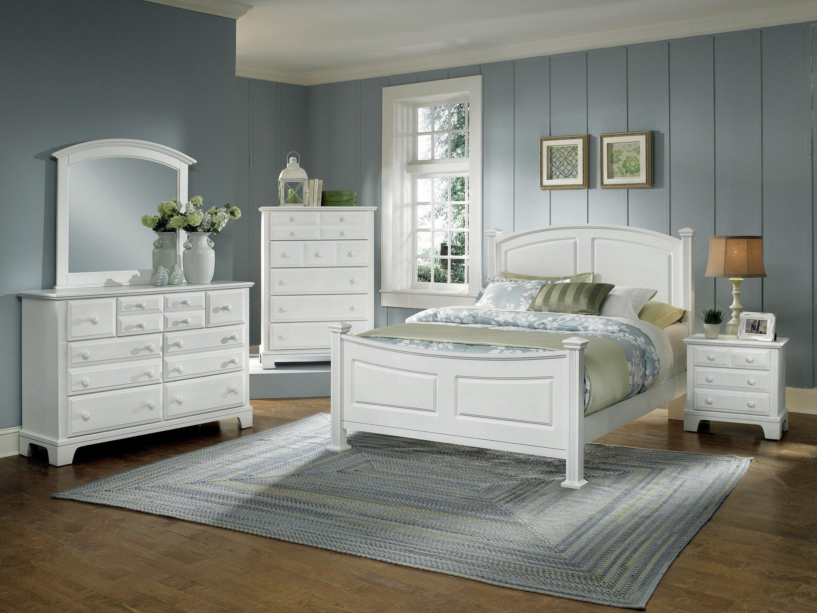 Hamilton/Franklin Queen Bedroom Group by Vaughan Bassett