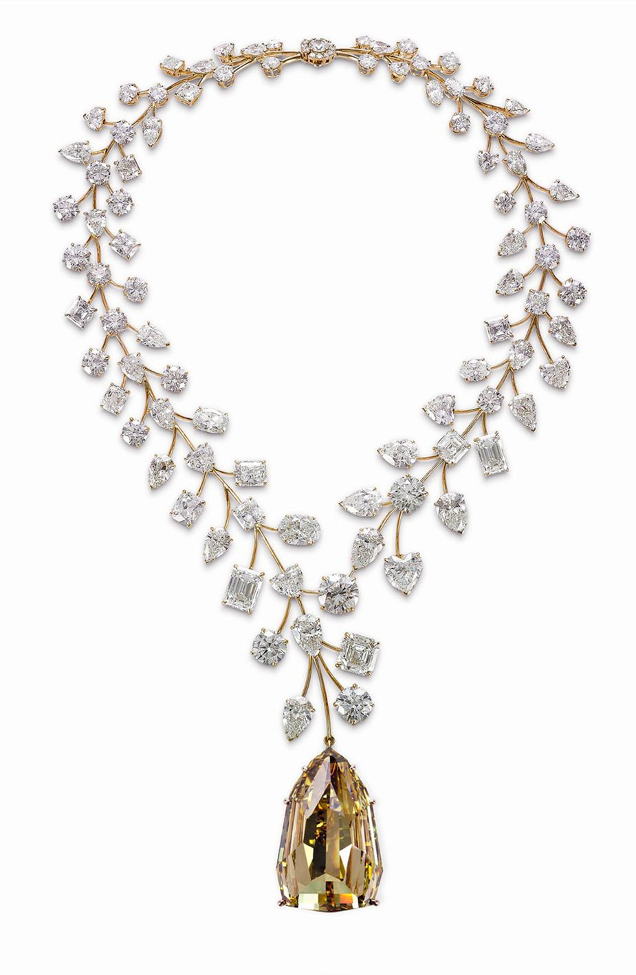 cb91e4075e352 The Mouawad L Incomparable Diamond Necklace has been certified as the most  valuable necklace in the world by Guinness World Records.