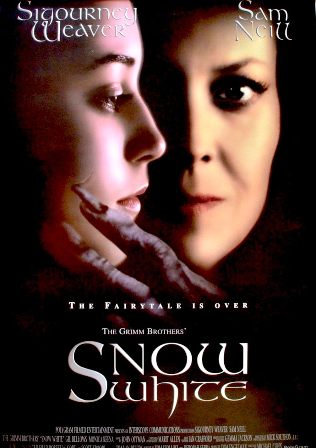 Snow White A Tale Of Terror 1997 Movie Review Com Imagens