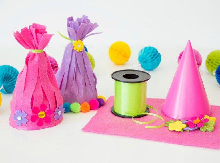 party ideen geschenke f r kleine trolls fans trolle geburtstagspartys und spielen. Black Bedroom Furniture Sets. Home Design Ideas