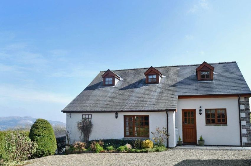 Tyddyn Cottage Builth Wells Powys Wales Self Catering Accepts