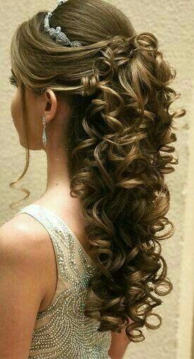 Pin De Betzaida En Xv Peinados Para Cabello Ondulado Peinados Boda Pelo Largo Peinados Elegantes