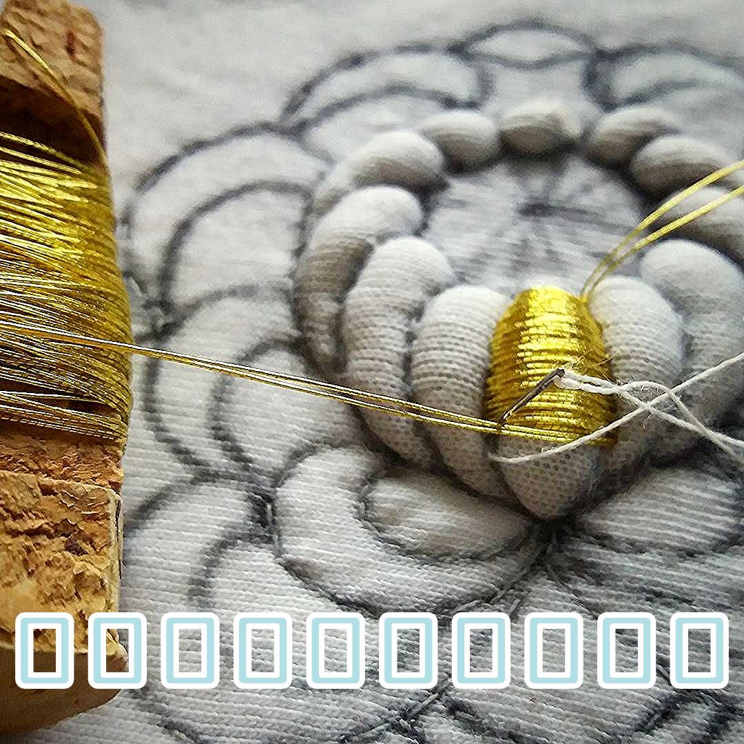 Golden Chrysanthemum 💚💛 #submarina707 #sketch #goldwork #gold #goldworkembroidery #embroideryart #emroidery #embroideryprocess #flowers…
