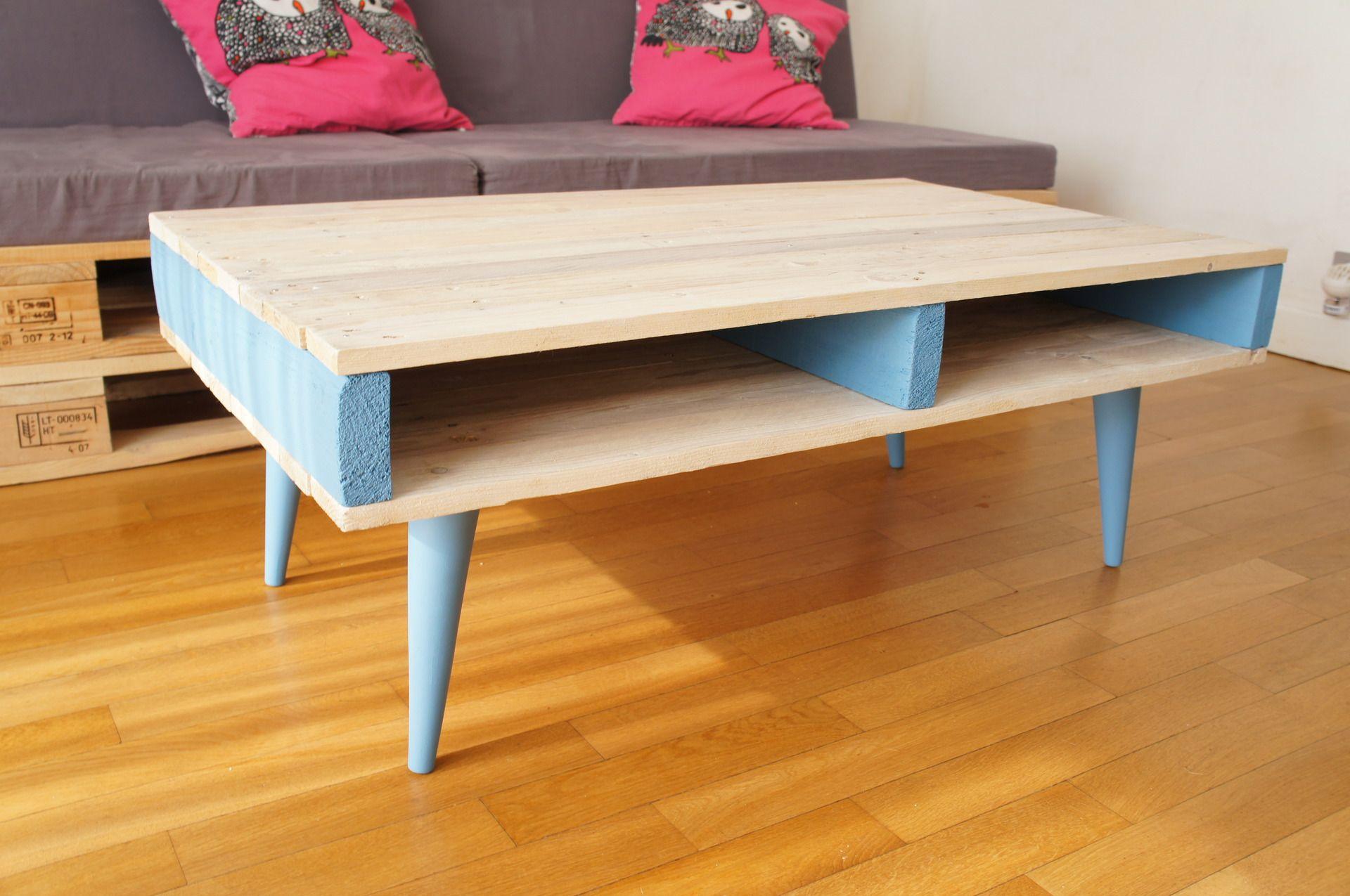 sur commande table basse en bois de palettes avec pieds. Black Bedroom Furniture Sets. Home Design Ideas