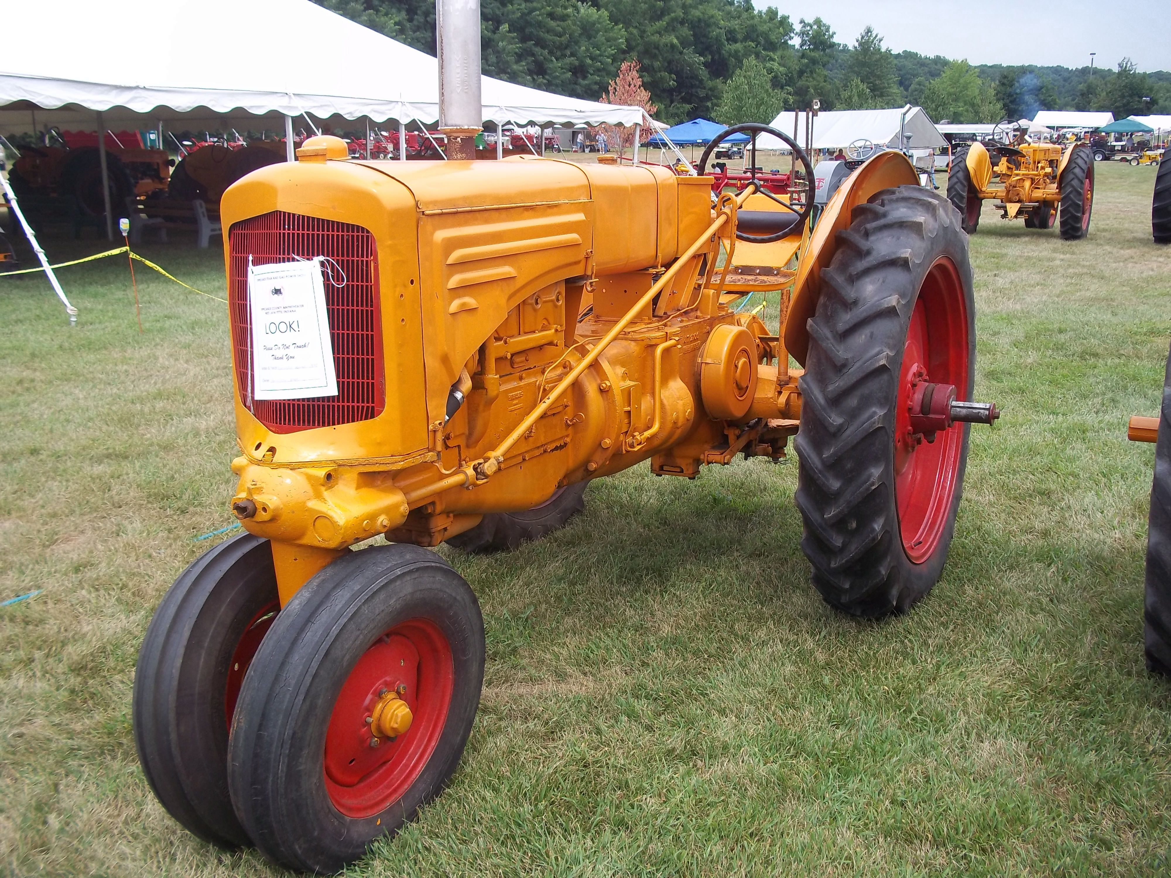 Another MM tricycle tractor Minneapolis moline, Tractors