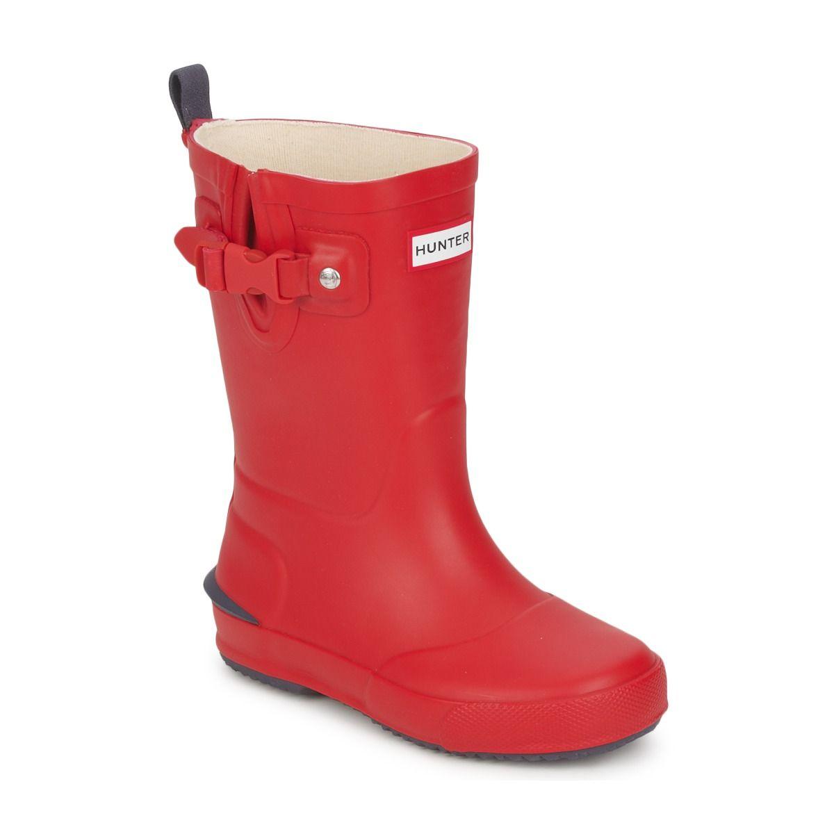 Las katiuskas perfectas para los pequeños fashionistas: botas para la lluvia de Hunter en color rojo para niño o niña. #hunter #kids #fashion #botas #niños