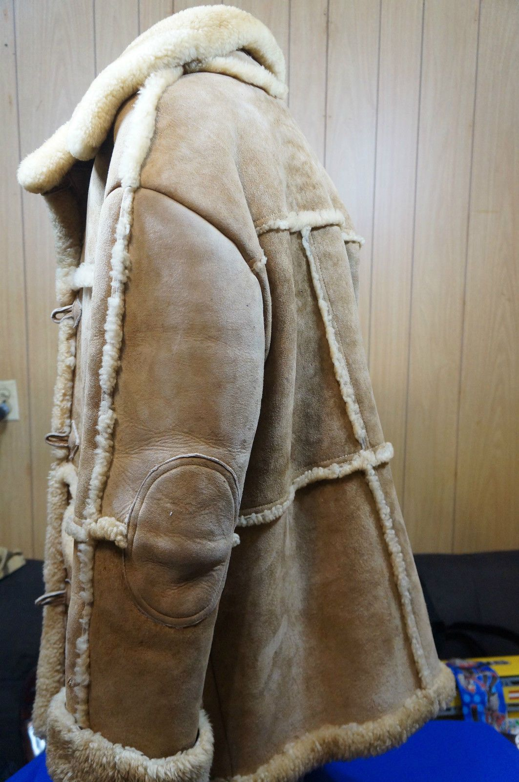 0a29f6fee0 Shearling Coat Vintage Rancher Marlboro Man Plush Sheepskin Overland Size  42