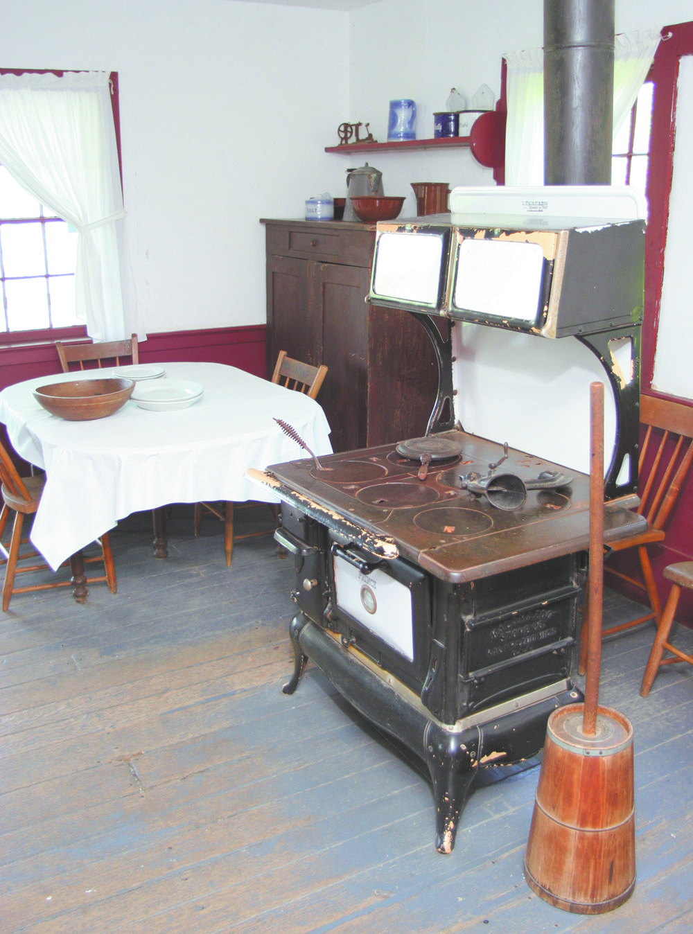 A Visit To Yoder S Amish Home Will Show You Just How The Amish In