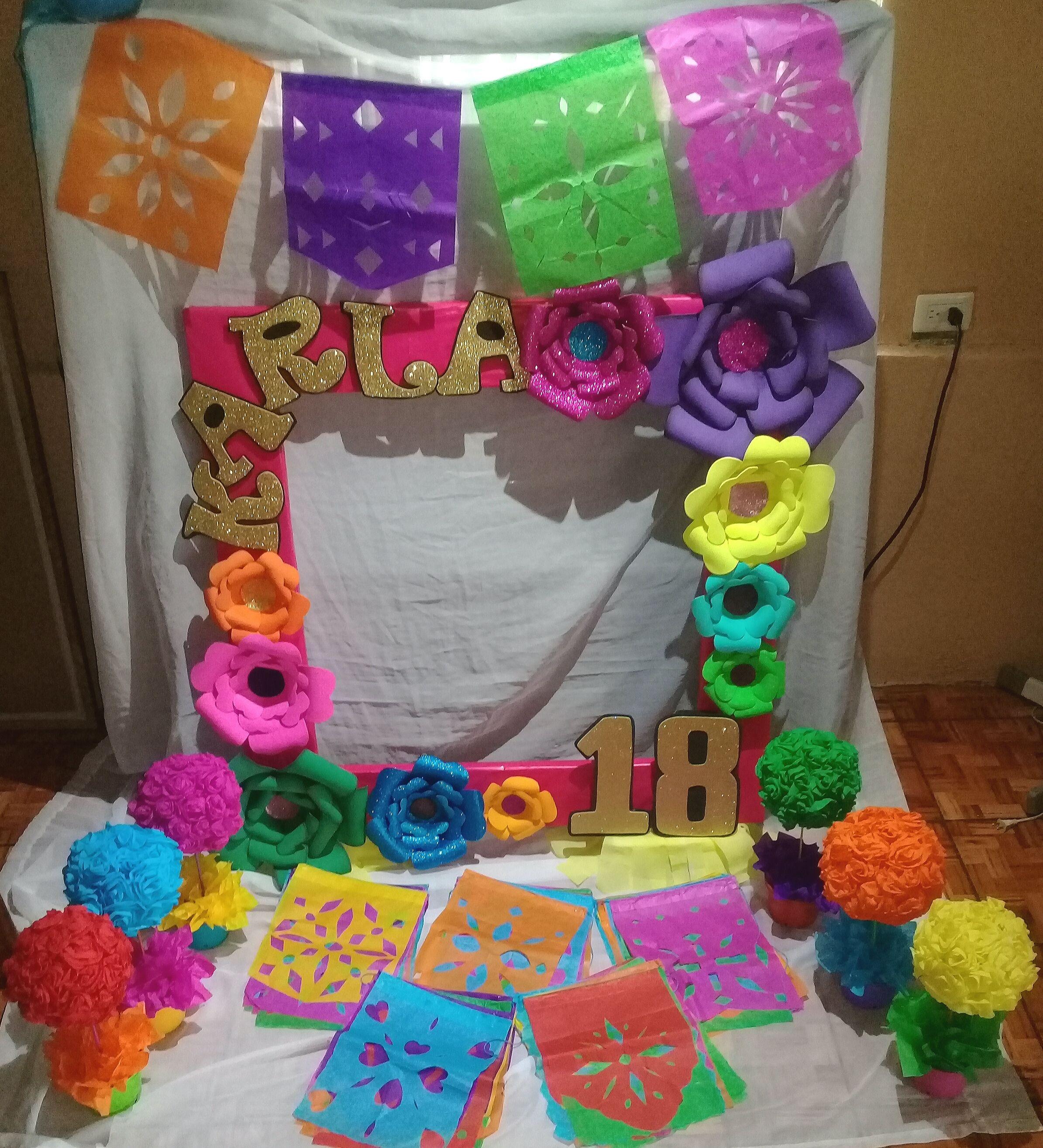 Marco para fotos, centros de mesa y banderines, temática Fiesta ...