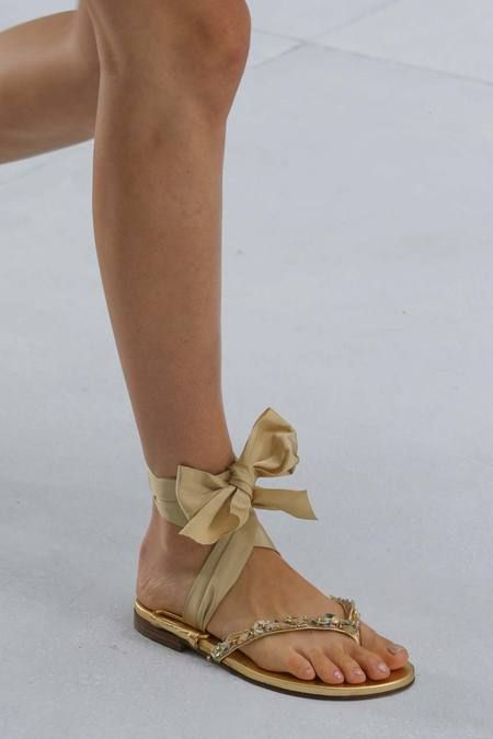 7d38504aea7b4 flats   Chanel Fall 2014 Couture