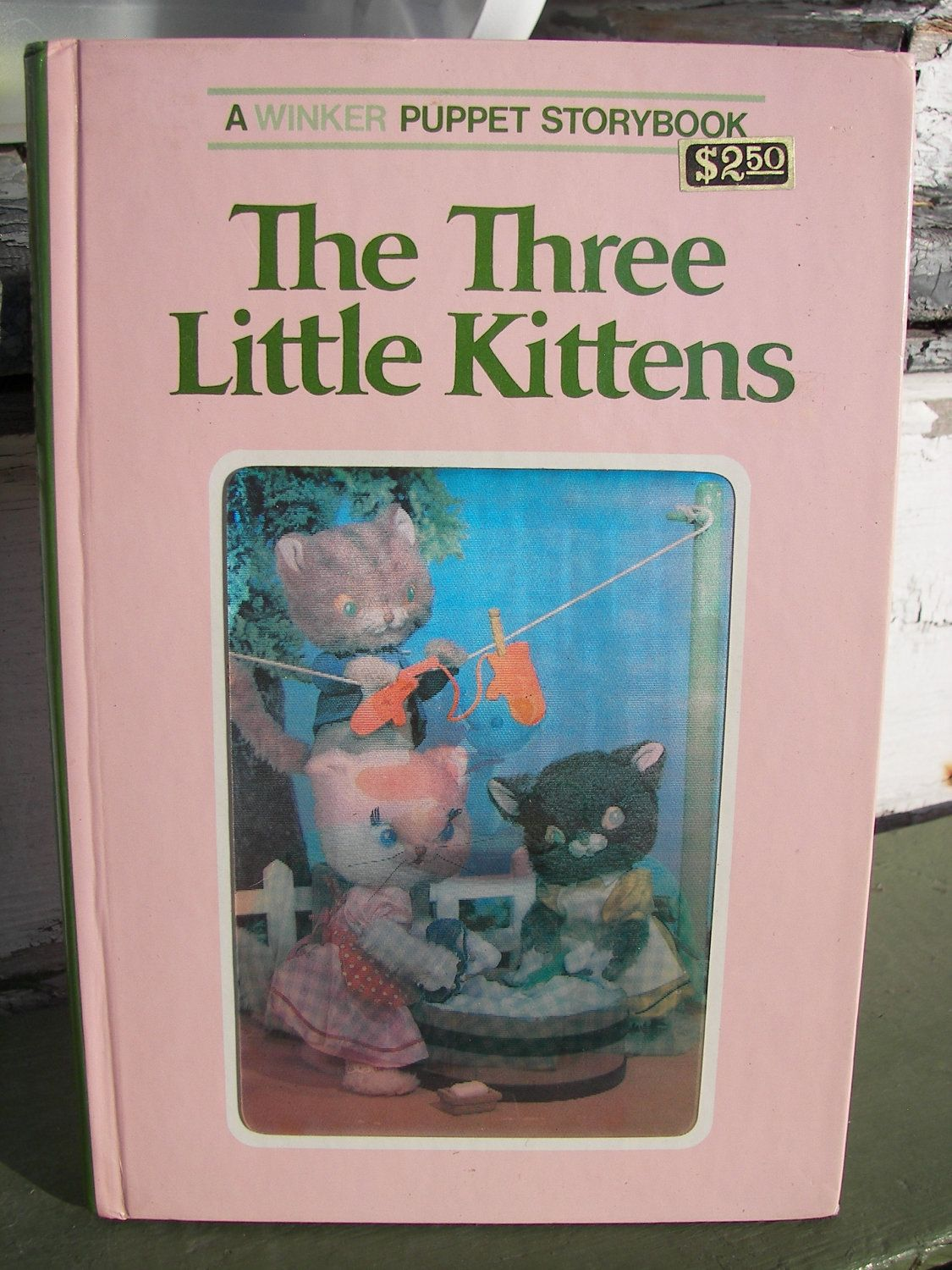 The Three Little Kittens A Winker Puppet Storybook 1968 3d Lenticular Hologram Little Kittens Vintage Toys Old Toys