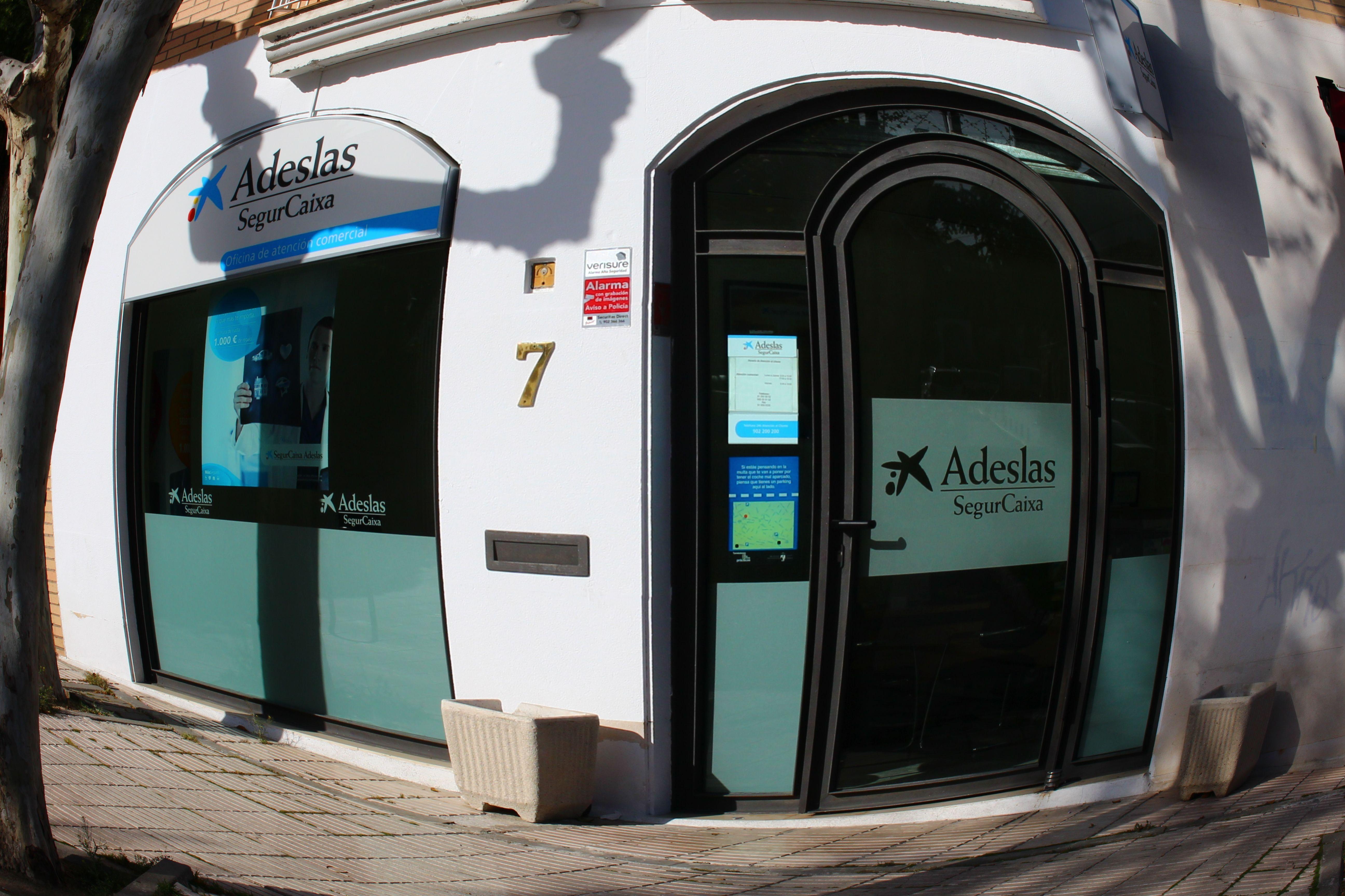 Oficina Comercial Adeslas Torrelodones Seguro De Mascotas
