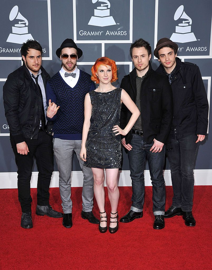 Singer Hayley Williams And Paramore Arrive At The 52nd Annual Grammy Paramore Hayley Williams Paramore Hayley Williams