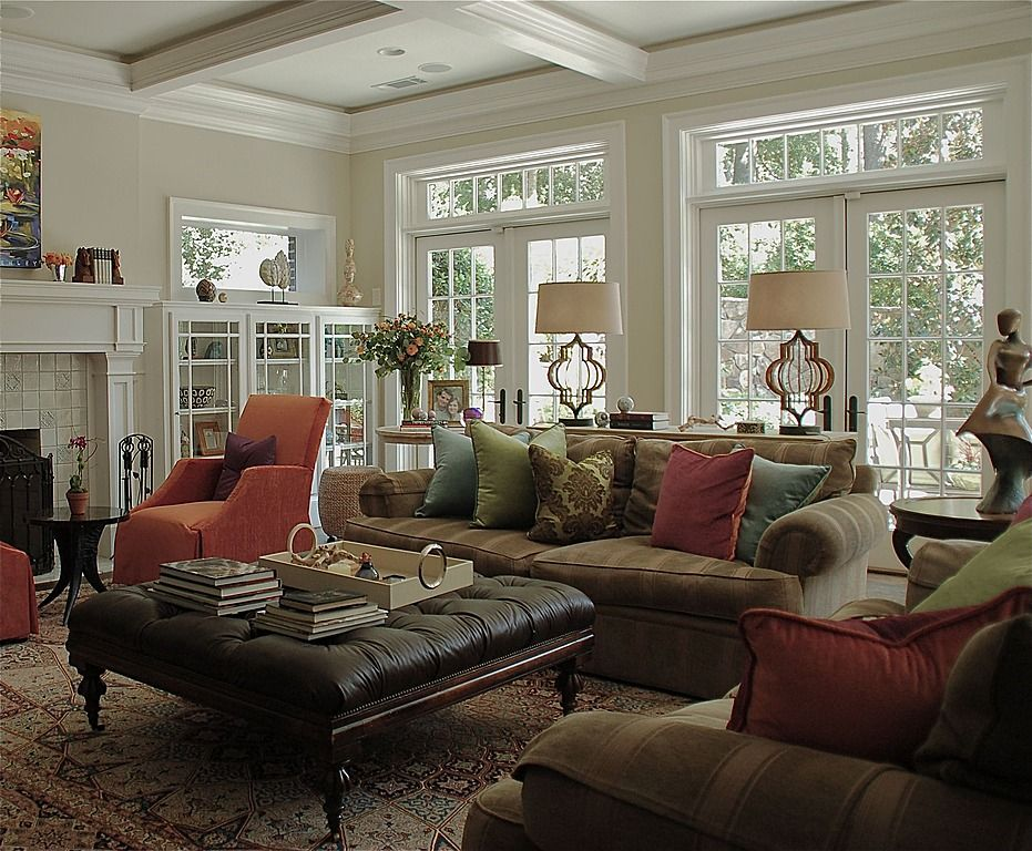 Traditional Living Room Find More Amazing Designs On Zillow Digs Shelving Bes Traditional Family Rooms Traditional Living Room Living Room Decor Traditional