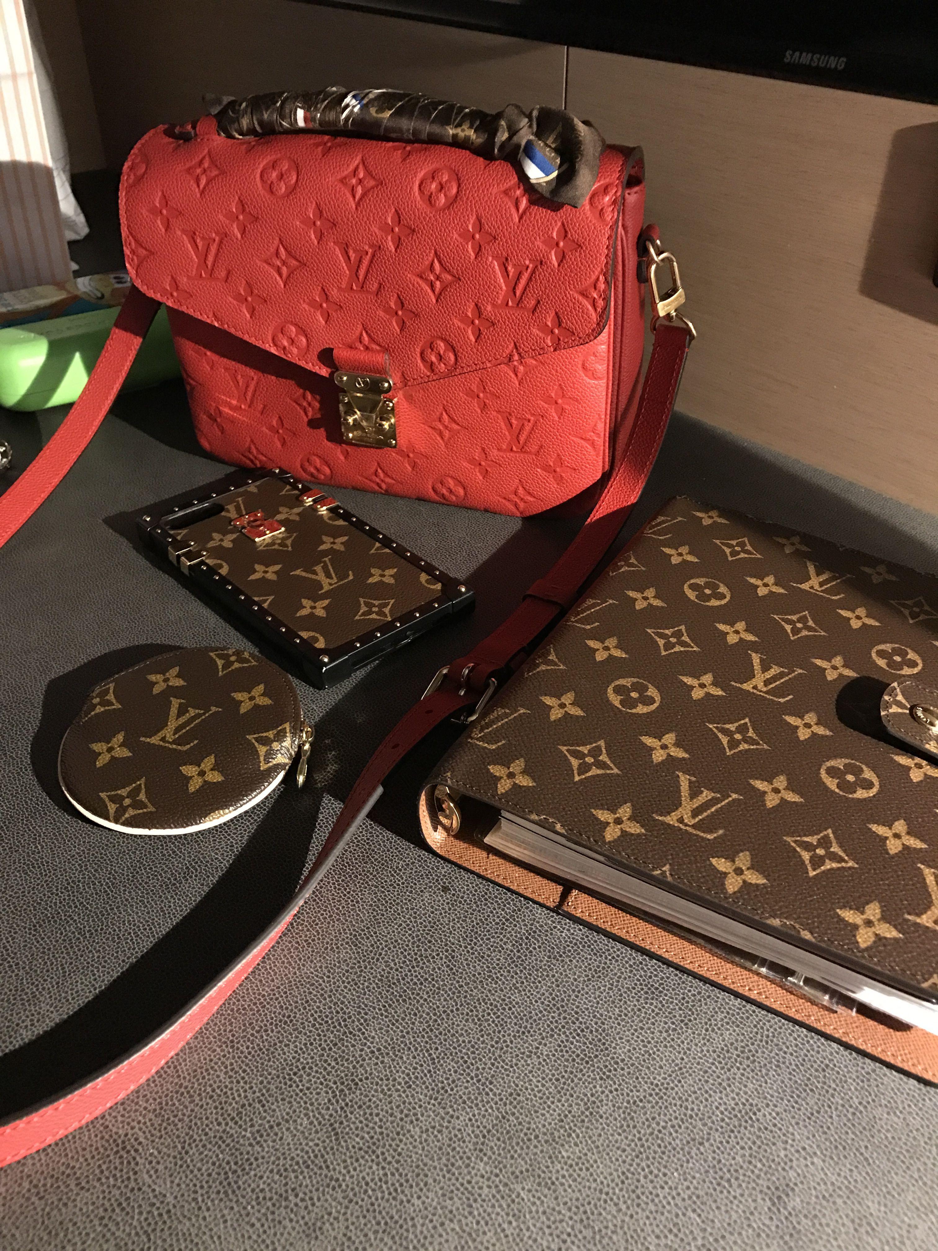 604241c89c6f Louis Vuitton Pochette Metis in Empreinte Cherry Red