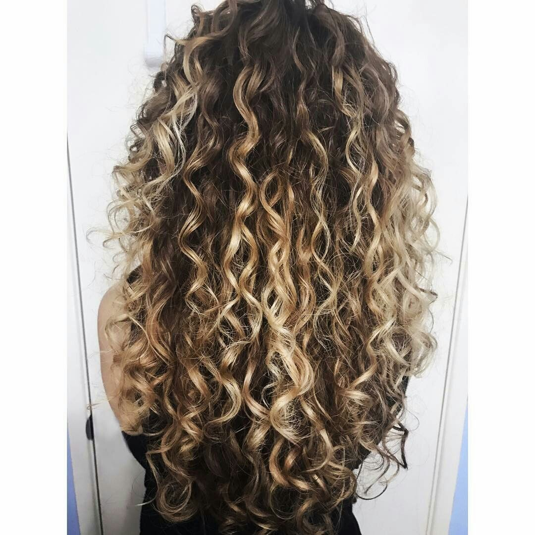 Pin By Nellie On Curls Pinterest Long Curls Curly And Hair Coloring