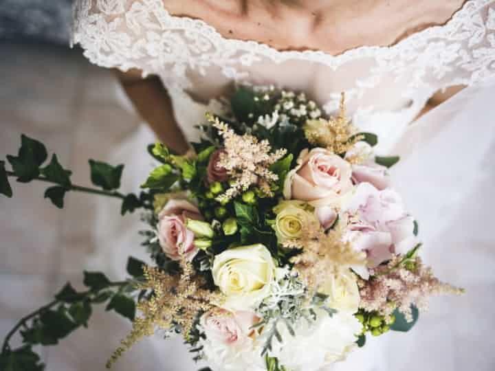 Bouquet Sposa Con Un Solo Fiore.Bouquet Da Sposa Con Un Solo Tipo Di Fiore 8 Proposte Per Una