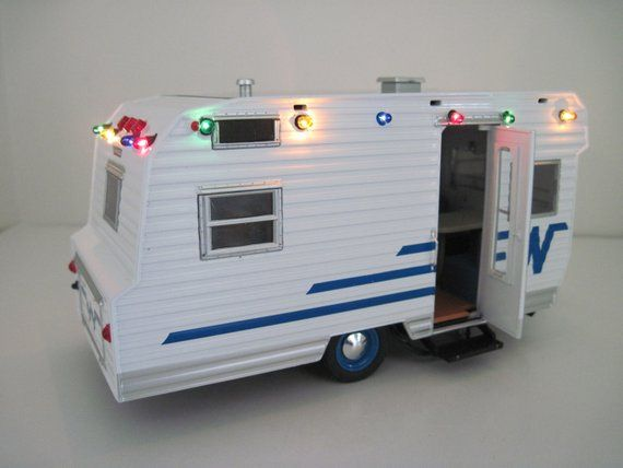1964 Winnebago 216 Camper 1 24 Scale With Working Christmas Lights Christmas Decoration Decorating With Christmas Lights Christmas Lights Camper
