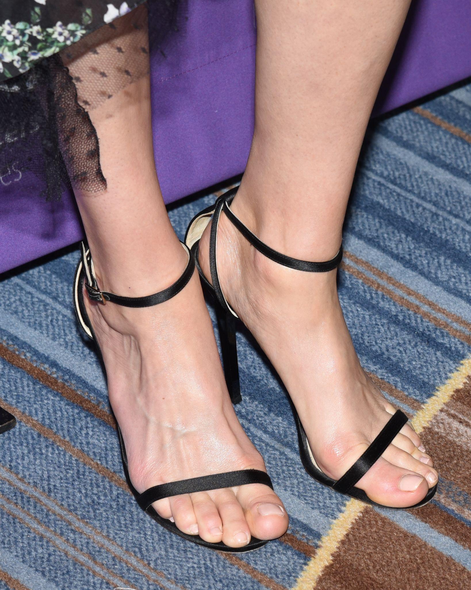 butt Feet Amber Valletta naked photo 2017