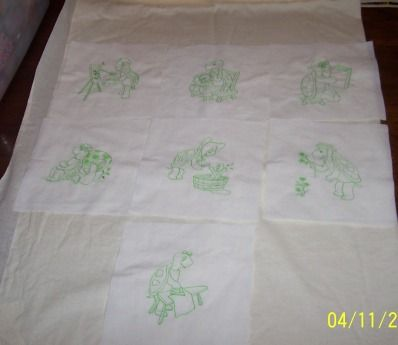 machine embroidery quilt squares. Little green turtles.