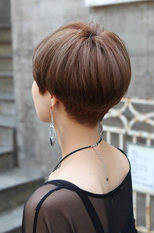 Back View Of Cute Short Japanese Haircut Back View Of Bowl Mushroom Haircut Hairstyles Weekly Short Hair Back Short Wedge Hairstyles Wedge Haircut