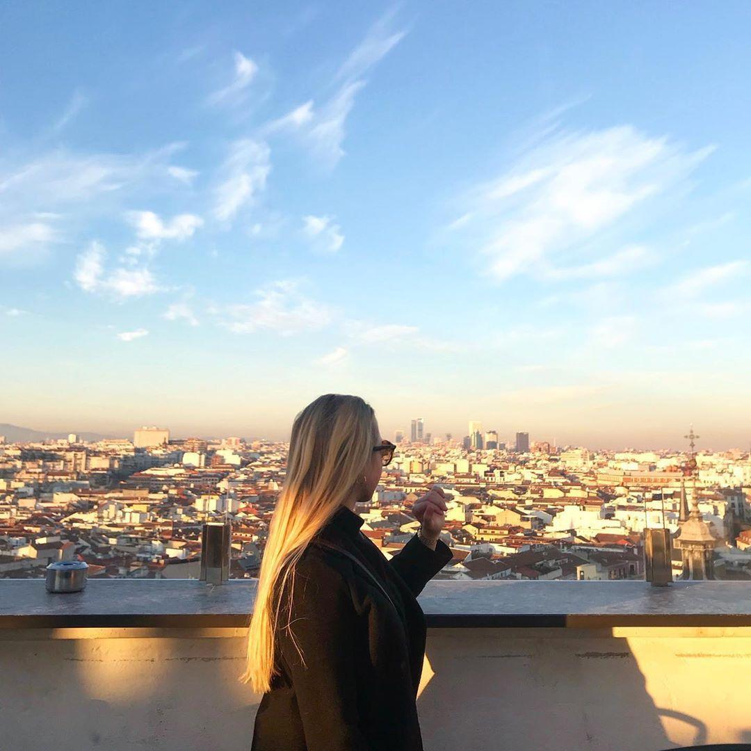 Cuál es tu ciudad favorita? -mi ciudad favorita es Madrid ❣️ • • • • • • • • • • #polska #szczecin #polacywswiecie #polacywpodróży #poland #berlin #germany #outfitinspo #polishgirl #motywacja #warszawa #wroclaw #outfitinspiration #ootd #krakow #motywacjadonauki #españa #marzenia #zostańwdomu #studentka #uniwersytet #erasmus #visitpoland #madrid #köln #bogota #china #erasmusmoment #citylife #spain