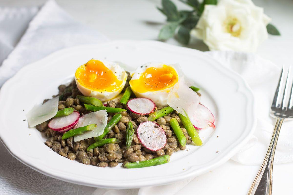 French Lentil Salad: warm lentils with asparagus and a soft boiled egg. Recipe via MonPetitFour.com