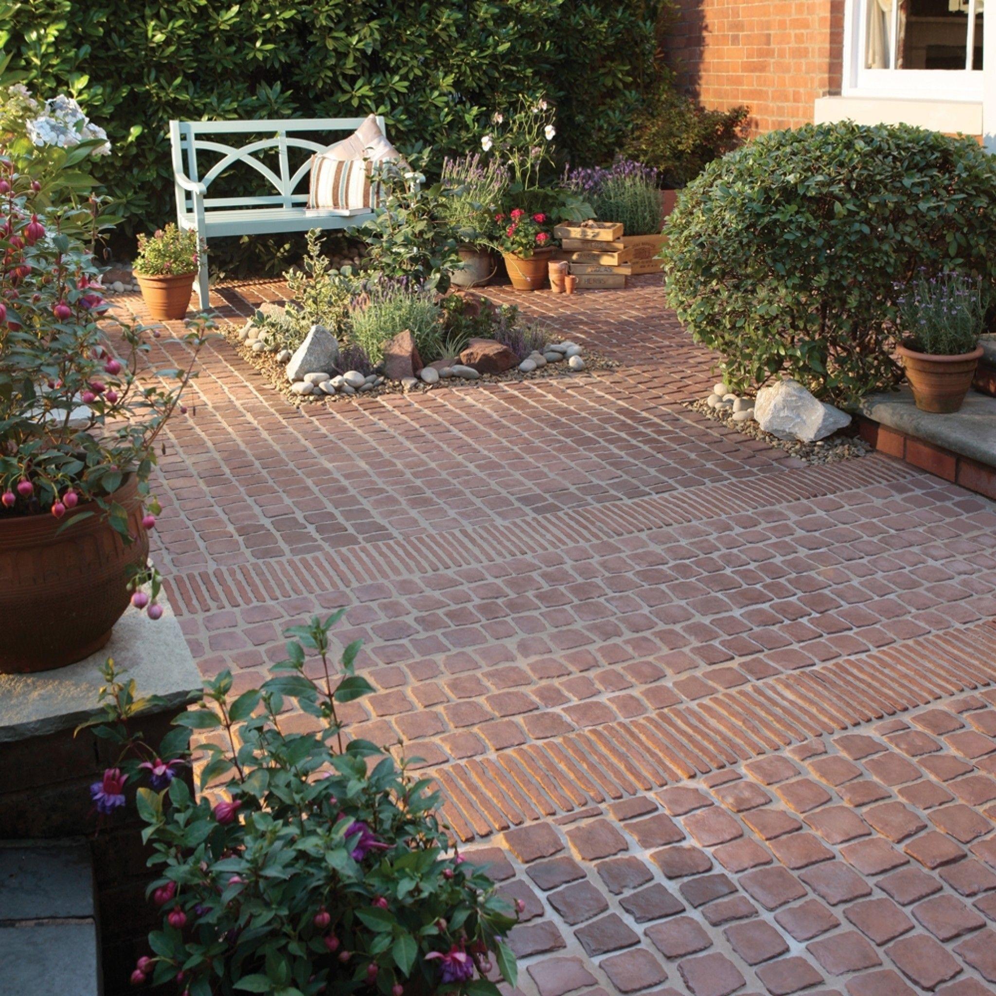 Bradstone Carpet Stones In Rustic Red Garden Paving Patio Stones Patio Garden Design