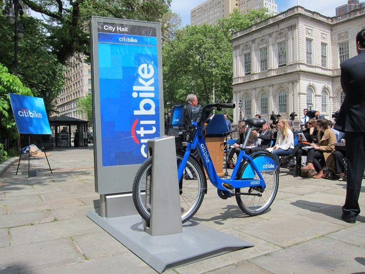 A Citibike Demonstration At Today 39 S Announcement Branden Klayko An Bike New York Street New York
