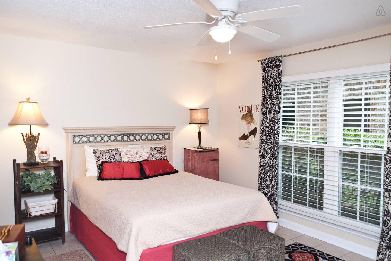 2 queen BRs 2 short miles 2 town! - vacation rental in Charleston, South Carolina. View more: #CharlestonSouthCarolinaVacationRentals