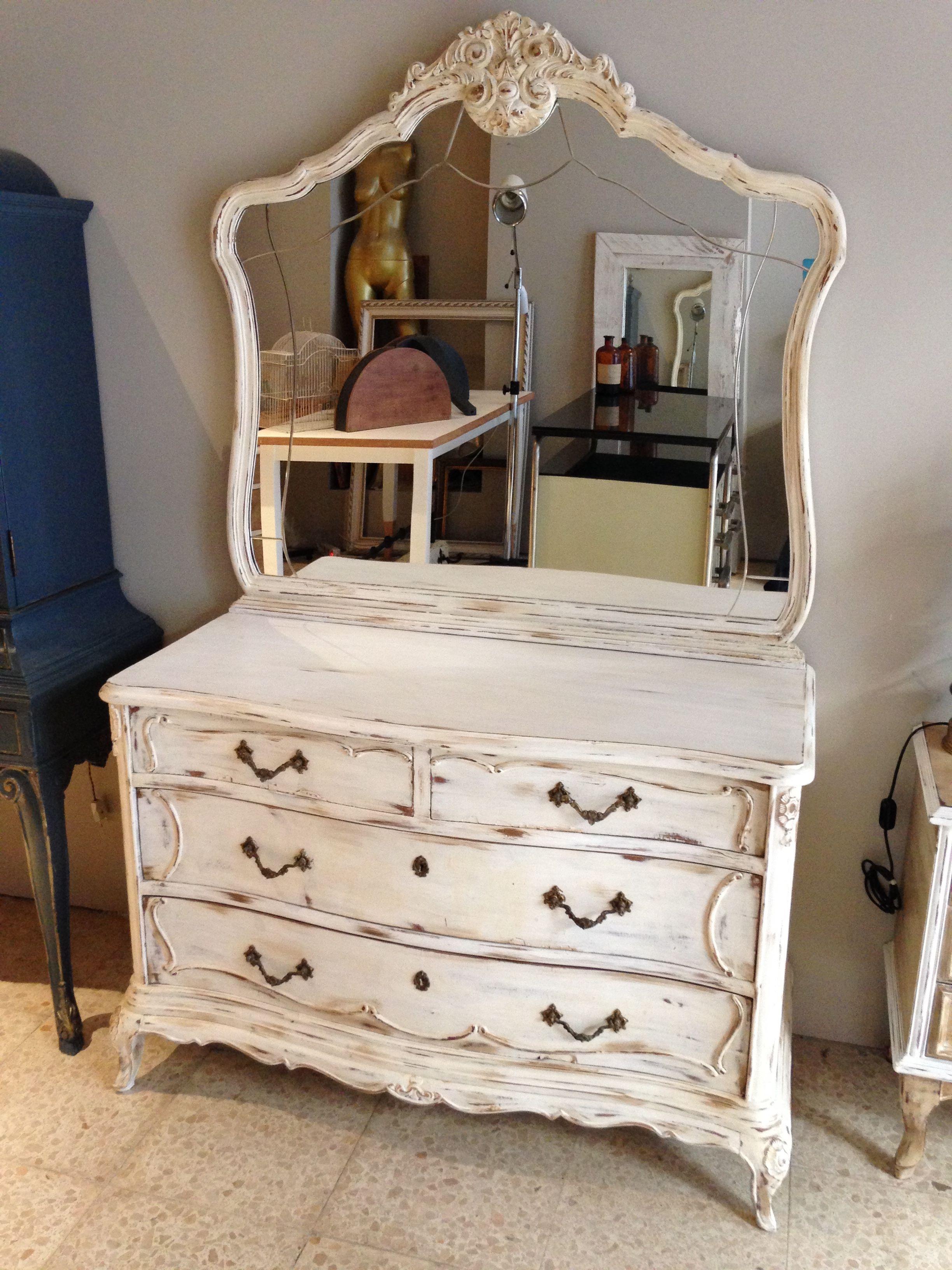 Comoda vintage armarios p pintar muebles vintage for Muebles antiguos reciclados