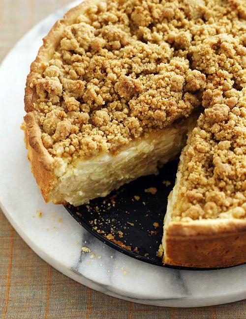 Deep-Dish Sour Cream–Apple Pie with Cardamom Streusel
