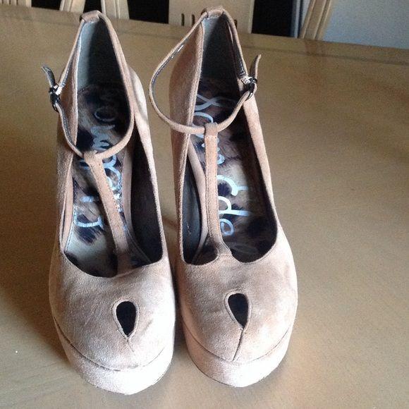 ce2a70d90c2 Sam Edelman Nivan Peep Platform Heels Preowned Sam Edelman Nivan t-strap  Heels color  tan. Leather suede upper with a round toe