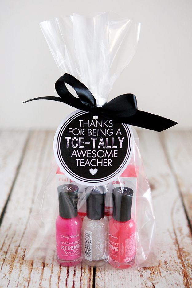 e9a52e6aa05a DIY Teacher Gifts - Toe-tally Awesome Teacher Gift - Cheap and Easy  Presents and