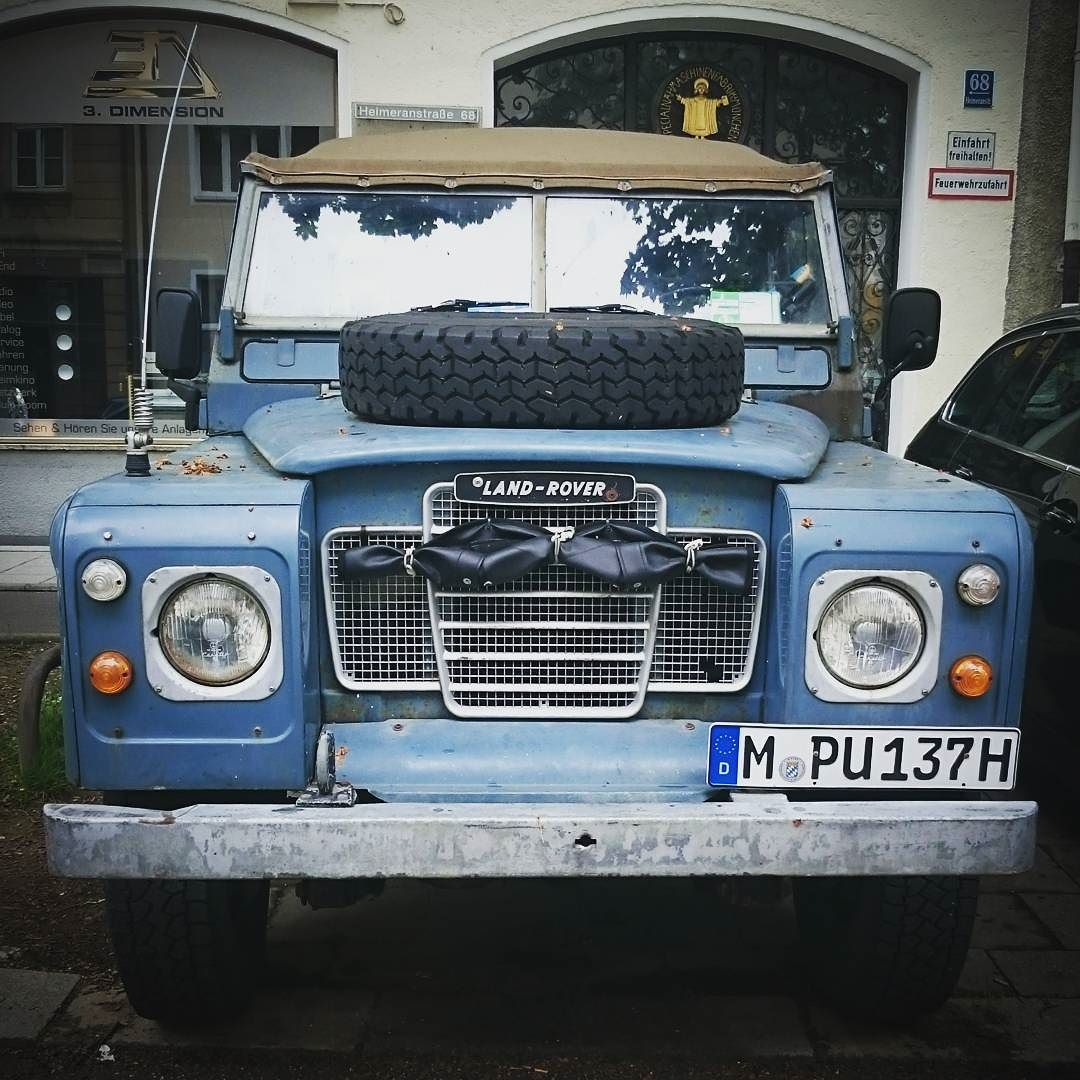 Land Rover 88 Serie III soft top canvas with a good face for adventure. Never stop exploring!