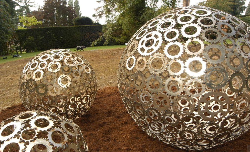 Metal garden sculpture decorative flower ball large